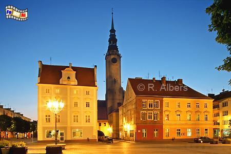 Brzeg (Brieg) Marktplatz mit Rathaus, Polen, Polska, Brzeg, Brieg, Rathaus