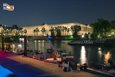 Paris - Blick über die Seine auf den Louvre., Paris, Seine, Louvre