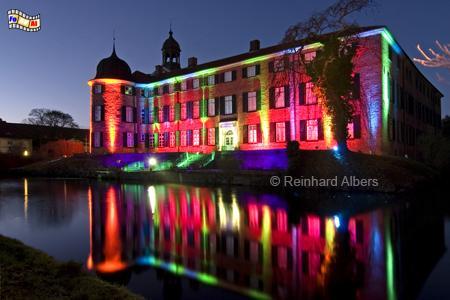 Eutiner Schloss mit Weihnachtsbeleuchtung, Eutin, Weihnachtsbeleuchtung, Schleswig-Holstein, Foto, Reinhard, Albers, foreal,
