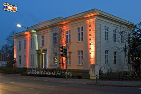 Carl-Maria-von-Weber-Gymnasium in Eutin, Eutin, Weihnachtsbeleuchtung, Schleswig-Holstein, Foto, Reinhard, Albers, foreal,