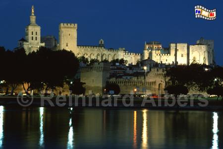 Avignon - Blick über die Rhone auf den Papstpalast., Provence, Avignon, Rhône, Papstpalast, Palais des Papes