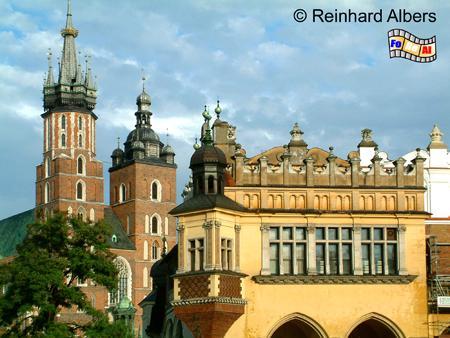 Krakau, Hauptmarkt (Rynek Główny) mit Marienkirche und Tuchhallen, Krakau, Kraków, Hauptmarkt, Rynek Główny, Tuchhallen, Sukiennice, Marienkirche