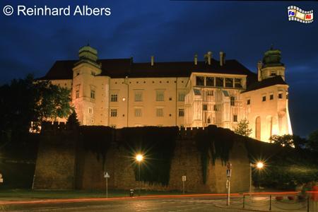 Das Schloss auf dem Wawelhügel von der Rückseite., Polen, Polska, Krakau, Kraków, Schloss, Zamek, Wawel