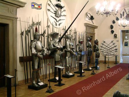 Alte Ritterrüstungen im Hist. Museum., Polen, Polska, Bilder, Fotos, Krakau, Kraków, Hist. Museum, Muzeum, Ritterrüstungen