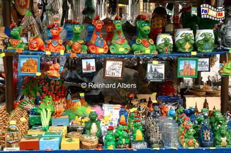 Souvenirstand auf dem Rynek Główny (Hauptmarkt)., Polen, Polska, Bilder, Fotos, Krakau, Kraków, Hauptmarkt, Rynek, Główny, Souvenirstand, Souvenirs