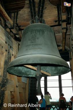 Die Sigismund-Glocke im Turm der Wawel-Kathedrale wurde 1520 gegossen. Mit einem Gewicht von 11 Tonnen und einem Durchmesser von 2,5 m ist sie die größte Glocke Polens., Polen, Polska, Bilder, Fotos, Krakau, Kraków, Kathedrale, Wawel, Turm, Glocke, Sigismund-Glocke