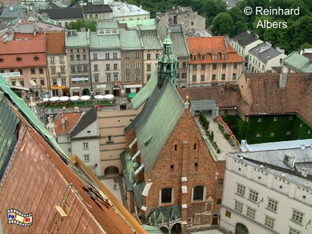 Die kleine St.-Barbara-Kirche steht direkt neben der Marienkirche., Polen, Polska, Bilder, Fotos, Krakau, Kraków, Barbara-Kirche