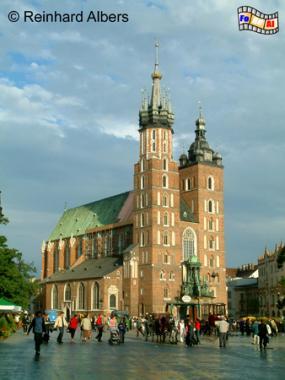 Marienkirche - Kościół Mariacki wurde Ende des 13. Jhs. auf den Resten eines romanischen Vorgängerbaus errichtet., Polen, Polska, Fotos, Bilder, Krakau, Kraków, Marienkirche, Kościół Mariacki