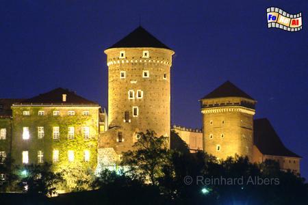 Wawel - Die beiden Wehrtürme Sandomierska (links) und Senatorska (rechts) stammen aus dem 15. Jh., Polen, Polska, Krakau, Kraków, Wawel, Wehrtürme, Festungstürme, Befestigung