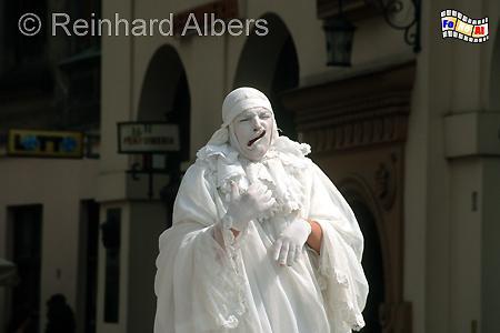 Dieser Straßenkünstler (Pantomime) ist häufig neben/vor der Marienkirche zu sehen und tritt mittlerweile auch schon im Ausland auf, Polen, Polska, Kraków, Krakau, Bilder, Fotos, Straßenkünstler, Pantomime,