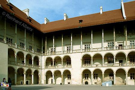 Der Innenhof des Schlosses auf dem Wawel ist im Stil der italienischen Renaissance errichtet worden., Polen, Polska, Fotos, Bilder, Krakau, Kraków, Wawel, Schloss, Innenhof