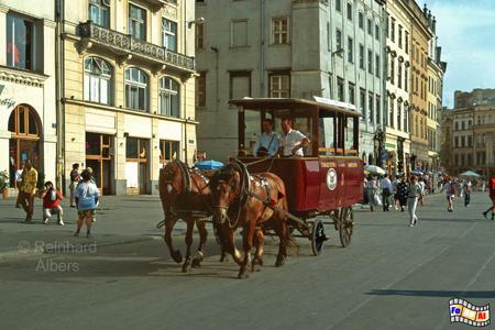Pferdestraßenbahn auf der Touristenroute vom Wawel zum Florianstor., Polen, Polska, Kraków, Krakau, Bilder, Fotos, Pferdestraßenbahn, Touristenroute