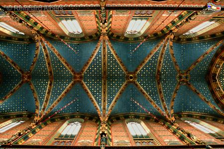 Das Gewölbe im Kirschenschiff der Marienkirche wurde erst unlängst frisch restauriert., Polen, Polska, Fotos, Bilder, Krakau, Kraków, Marienkirche, Kościół Mariacki