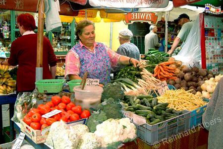 Wochenmarkt auf dem Rynek Kleparski., Polen, Polska, Krakau, Kraków, Rynek, Kleparski, Wochenmarkt, Markt