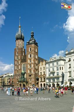 Marienkirche am Hauptmarkt (Rynek Głowny)., Polen, Polska, Krakau, Kraków, Bilder, Fotos, Tuchhallen, Sukiennice, Rynek, Główny, Marienkirche, Kościol Mariacki