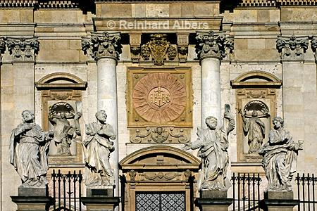 Apostelfiguren vor der Peter- und Paulskirche., Polen, Polska, Fotos, Bilder, Krakau, Kraków, Apostel, Peter- und Paulskirche