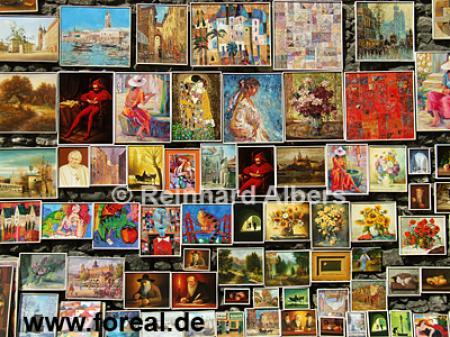 Die Stadtmauer neben dem Florianstor wird als Freiluftgemäldegalerie benutzt., Polen, Polska, Krakau, Kraków, Bilder, Fotos, Gemälde, Stadtmauer