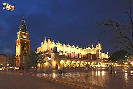 Hauptmarkt mit Tuchhallen + Rathausturm, Polen, Polska, Krakau, Kraków, Fotos, Bilder,  Tuchhhallen, Sukiennice, Hauptmarkt, Rynek, Głowny, foreal, Albers,