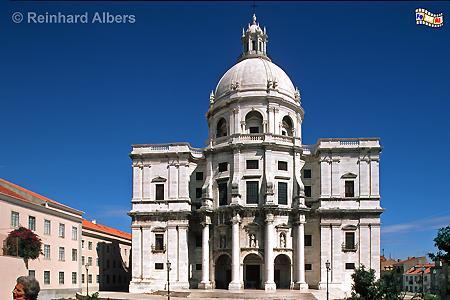 Pantheon - Panteão Nacional, ursprünglich als Igreja de Santa Engrácia konzipiert. Nach dem Baubeginn 1681 zog sich der Bau Jahrhunderte lang hin und wurde schließlich erst 1966 als Pantheon vollendet. , Lissabon, Pantheon, Alfama, Altstadt, Albers, Foto, foreal,