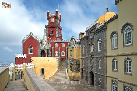 Sintra - Palácio Nacional da Pena. Das ab 1839 errichtete Märchenschloss gilt als portugiesisches Neuschwanstein., Sintra, Pena, Schloss, Palácio