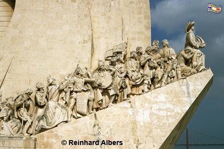 Denkmal der Entdeckungen (Padrão dos Descobrimentos). An der Spitze steht als größte Figur Heinrich der Seefahrer., Lissabon, Belem, Denkmal, Entdeckungen