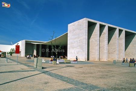 Der portugiesische Pavillon auf dem Expogelände von 1988., Lissabon, Lisboa, Expo, Architektur, Pavillon