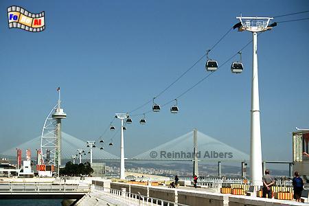 Die Seilbahn auf dem Expogelände von 1998 ist noch immer in Betrieb., Lissabon, Lisboa, Expo, Seilbahn, Gondelbahn
