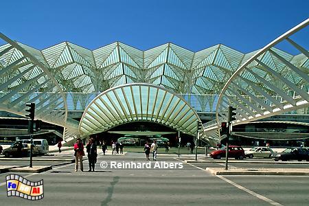 Futuristisch wirkt die Kontruktion des Bahnhofes