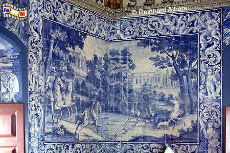 Sintra - Königsschloss (Paço Real ) Hirschsaal mit bemalten Fliesen, die Jagdszenen darstellen., Portugal, Sintra, Schloss, Königsschloss