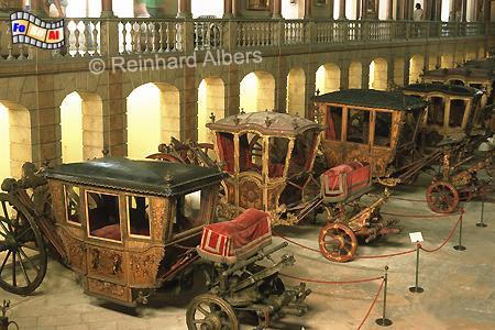 Museu Nacional dos Coches - Kutschenmuseum in der ehemaligen Reithalle des Belem-Palastes. , Lissabon, Belem, Kutschenmuseum, Kutschen, Coches, foreal, Foto, Albers