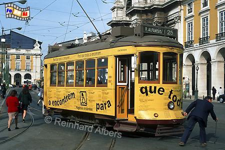 Lissabon - Oldtimer-Straßenbahn, Lissabon, Straßenbahn, Oldtimer, Electricos, Albers, Foto, foreal