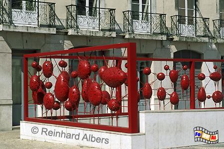Moderne Kunst auf dem Rathausplatz (Praça do Municipio), Lissabon, Praça, Municipio, Rathaus, Platz