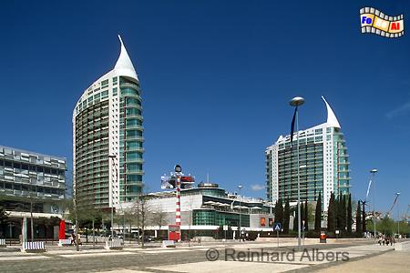 Expogelände mit 2 Hochhäuser als stilisierte Karavellen., Lissabon, Lisboa, Expo, Architektur, Karavelle, Albers, Foto, foreal