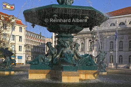 Brunnen im Stil der Belle Epoque auf dem Rossio, entworfen von José Luis Monteiro., Lissabon, Rossio, Brunnen, Monteiro, Praca, Albers, Foto, foreal,