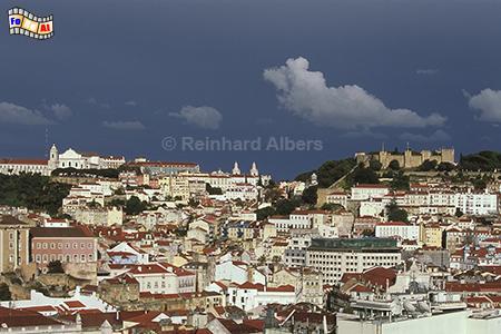Ausblick vom Miradouro de São Pedro de Alcântara auf das Castelo de São George., Lissabon, Miradouro, São Pedro, Alcântara, Aussichtspunkt, Albers, Foto, foreal,