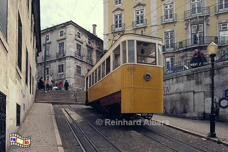Elevador da Glória aus dem Jahr 1885. , Lissabon, Bergbahn, Elevador, Straßenbahn, Aufzug, Bairro, Alto