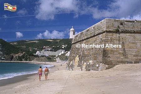 Sesimbra - Fortaleza (Festung) am Strand ., Portugal, Sesimbra, Festung, Strand, Atlantik, Albers, Foto, foreal,