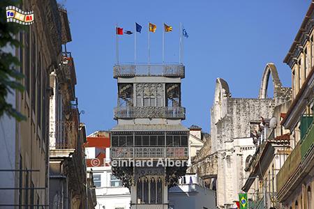 Der 45 m hohe Elevador Santa Justa verbindet die Unter- mit der Oberstadt., Lissabon, Fahrtstuhl, Elevador, Santa Justa, Carmo, Albers, Foto, foreal,
