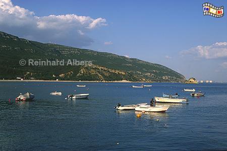 Bucht von Portinho am Fuße des Arrábida-Gebirges., Portugal, Arrabida, Gebirge, Atlantik, Bucht, Albers, Foto, foreal,