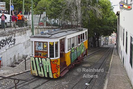 Elevador da Glória aus dem Jahr 1885, leider neuerdings mit Graffiti veranstaltet., Lissabon, Bergbahn, Straßenbahn, Elevador, Gloria, Albers, foreal,
