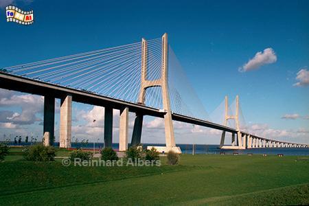 Die für Expo 1998 errichtete Ponte Vasco da Gama., Lissabon, Lisboa, Ponte, Brücke Vasco, Gama, Tejo
