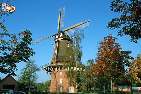 Upgant-Schott in Ostfriesland mit der Mühle Sterrenberg aus dem Jahr 1880., Windmühle, Ostfriesland, Upgant-Schott, Sterrenberg