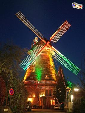 Eutin - Moder Grau mit Weihnachtsbeleuchtung, Windmühle, Eutin, Moder Grau
