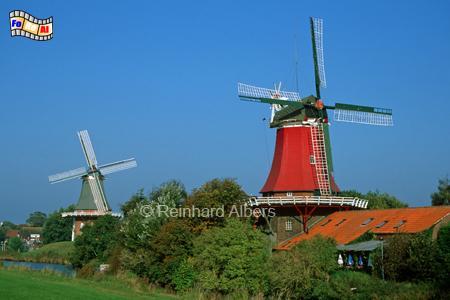 Zwillingsmühlen von Greetsiel in Ostfriesland, Windmühle, Ostfriesland, Greetsiel, Zwillingsmühlen