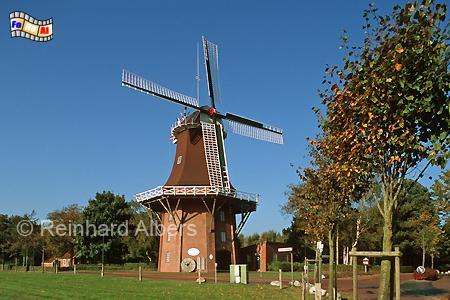 Upgant-Schott in Ostfriesland mit der Mühle Sterrenberg aus dem Jahr 1880., Windmühle, Galerieholländer, Upgant Schott, Sterrenberg