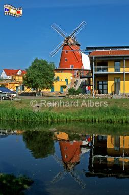 Die Mühle auf dem Krähenberg in Bad Sülze in Mecklenburg-Vorpommern stammt aus dem Jahr 1758., Windmühle, Mecklenburg-Vorpommern, Bad Sülze