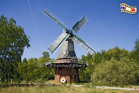 Berlin - Zum Technikmuseum in der Trebbiner Straße gehört auch ein Freigelände mit 2 Windmühlen. Im Bild die Mühle