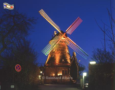 Eutin - Moder Grau mit Weihnachtsbeleuchtung., Windmühle, Eutin, Moder Grau, Albers, foto, foreal, Ostholstein,
