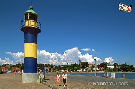 Der alte Leuchtturm im Hafen von Eckernförde., Leuchtturm, Deutschland, Schleswig-Holstein, Eckernförde