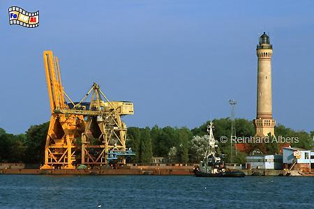 Der Leuchtturm von Świnoujście (Swinemünde) an der Swine ist mit 68 m der höchste im heutigen Polen und ist erst kürzlich gründlich restauriert worden., Leuchtturm, Lighthouse, Phare, Latarnia, Morska, Polen, Ostseeküste, Swinemünde, Foto, Albers, foreal, Świnoujście,